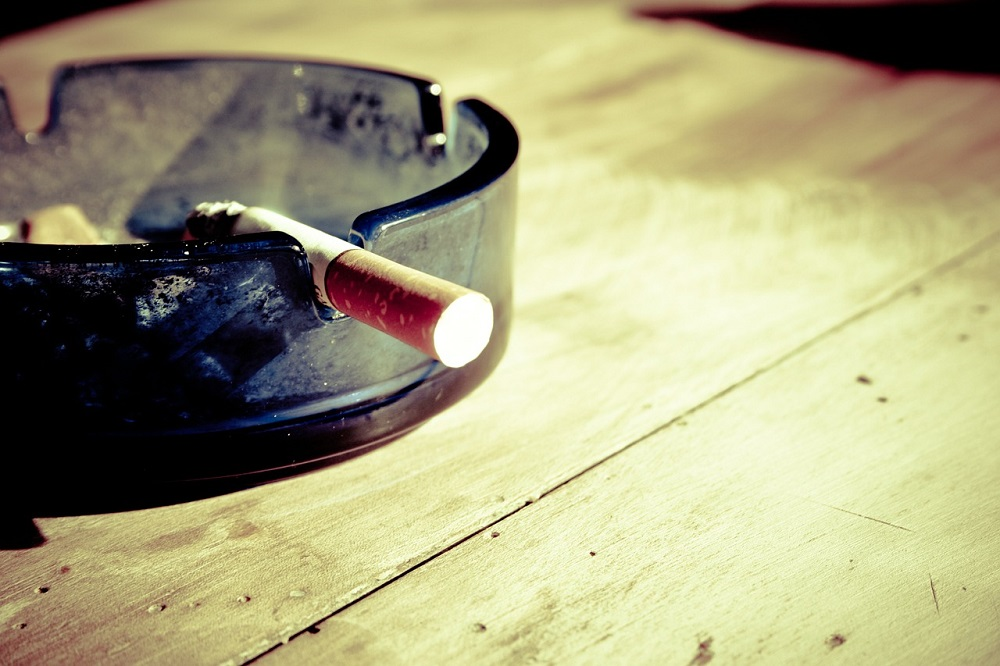 Cigarette ashtray Pixabay Strong Fit Well