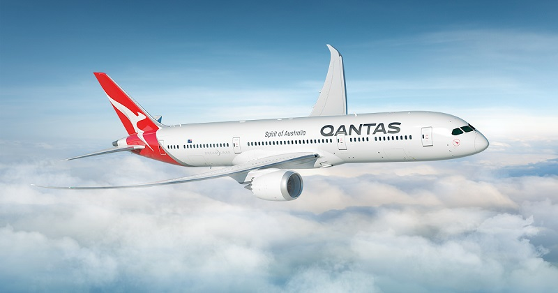 Qantas Dreamliner Strong Fit Well