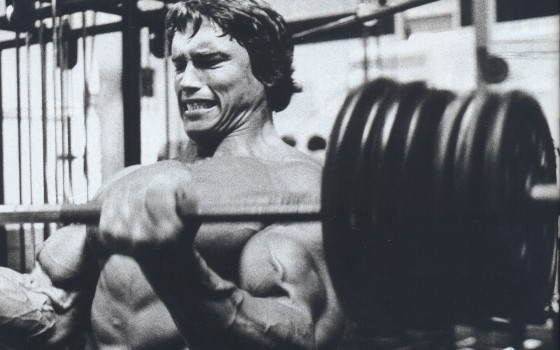 Arnold Schwarzenegger making muscles in 1977 docudrama Pumping Iron